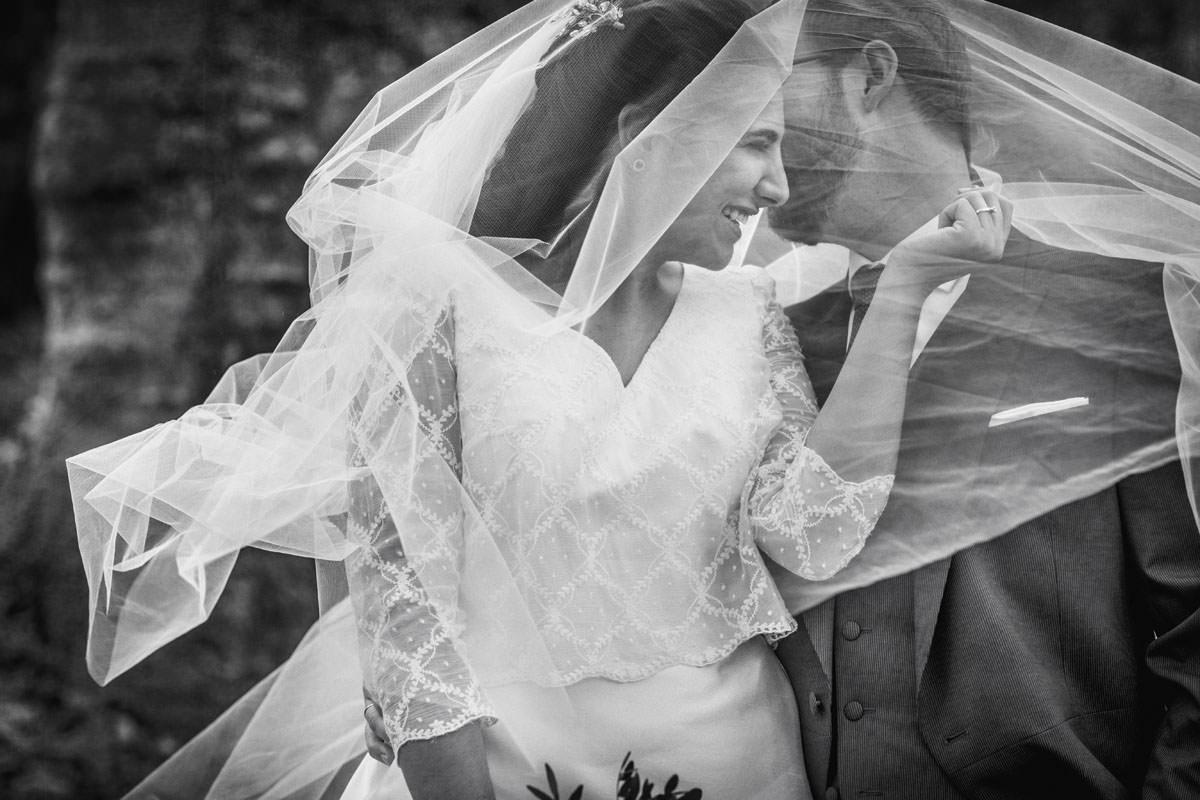 Fotógrafos Torrelavega Novia con el ramo de flores en el día de su boda